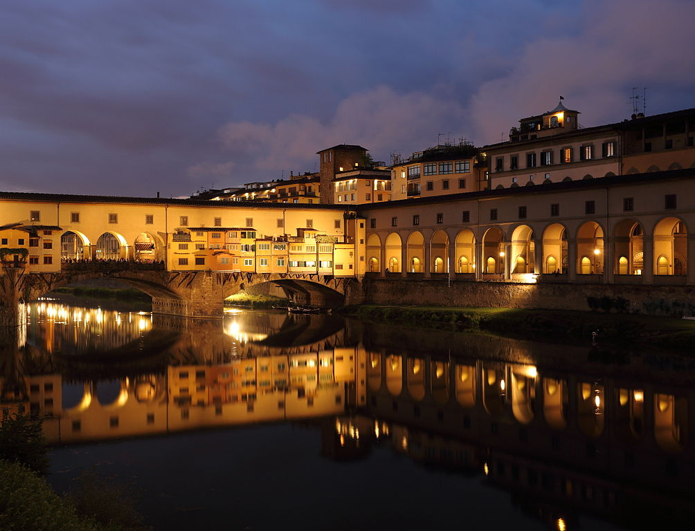 1004px-Ponte_Vecchio_at_dusk_1