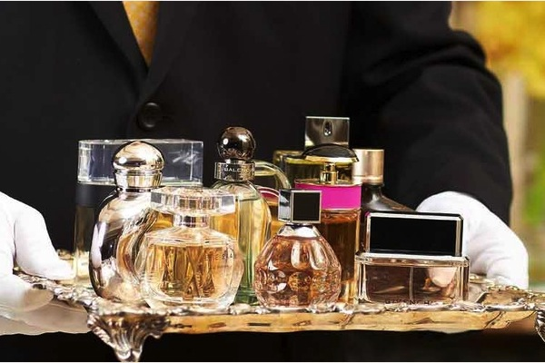 Do like the French and douse yourself with perfume instead of a bath!