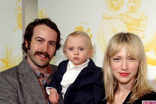 What was going on in the head of Jason Lee & Beth Riesgraf when they named their child Pilot Inspektor?