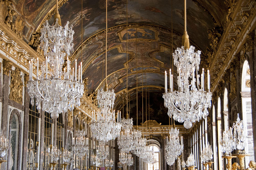 Not really mirrors, but then again, #whotheheckcares when you have all those chandeliers?