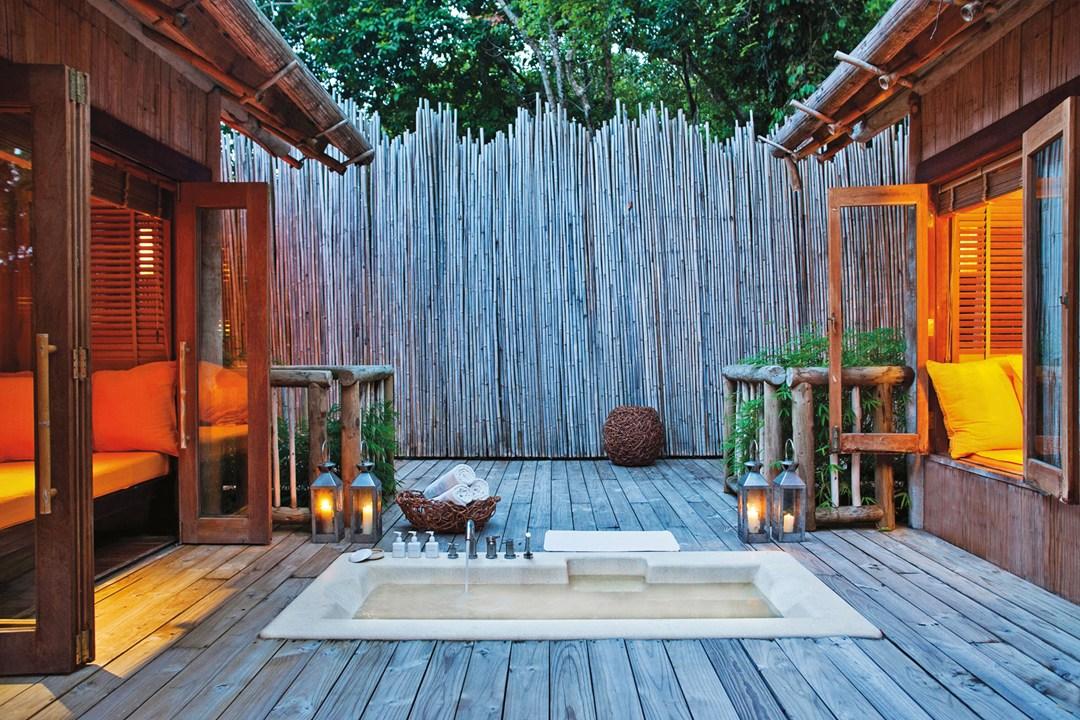 Sexy Outdoor Bathrooms For Secret Exhibitionists Wanderluxe