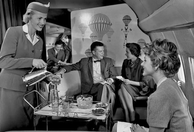 Pan-Am-cocktail-service-680x463