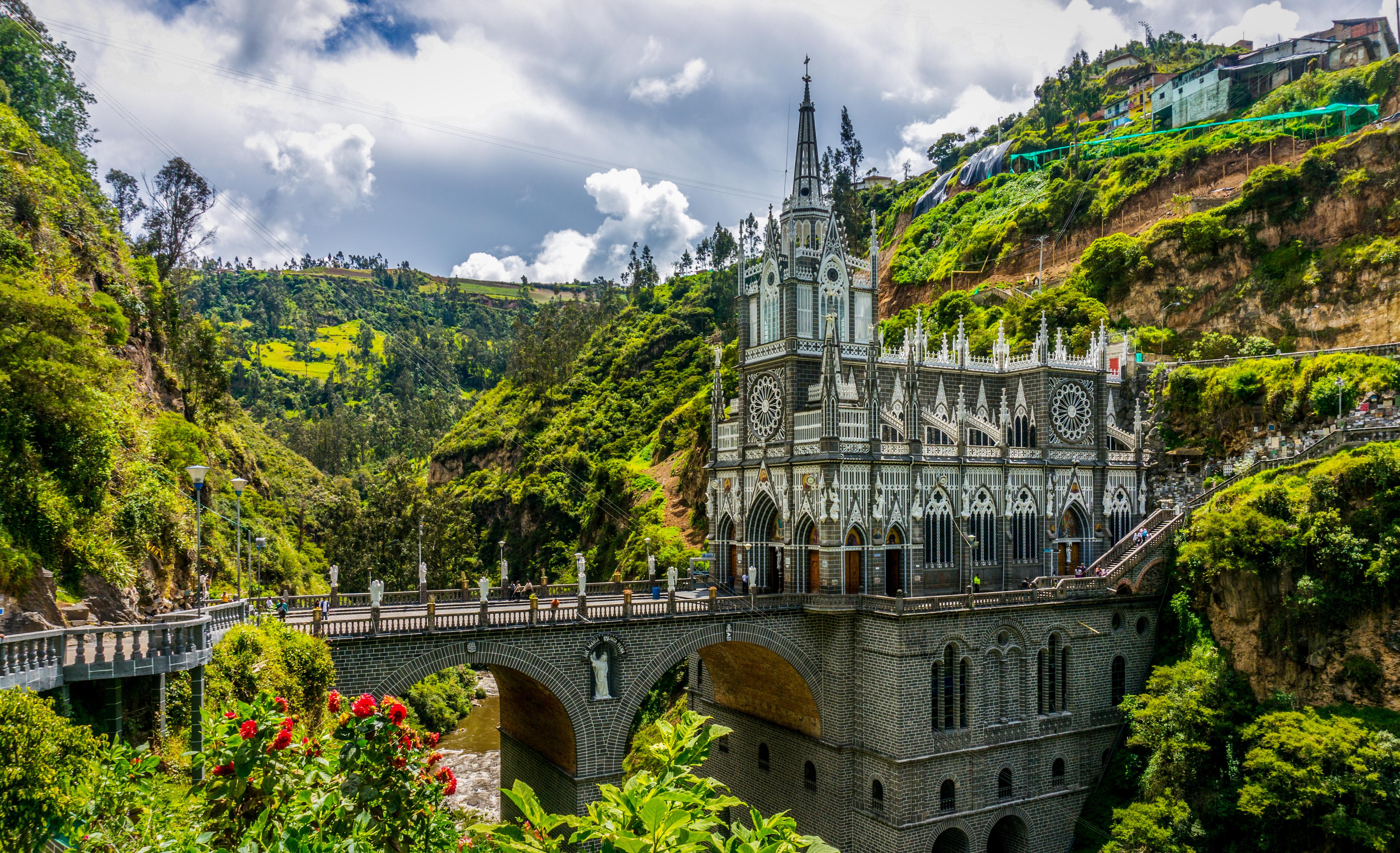 Santuario_Nacional_de_Las_Lajas_02