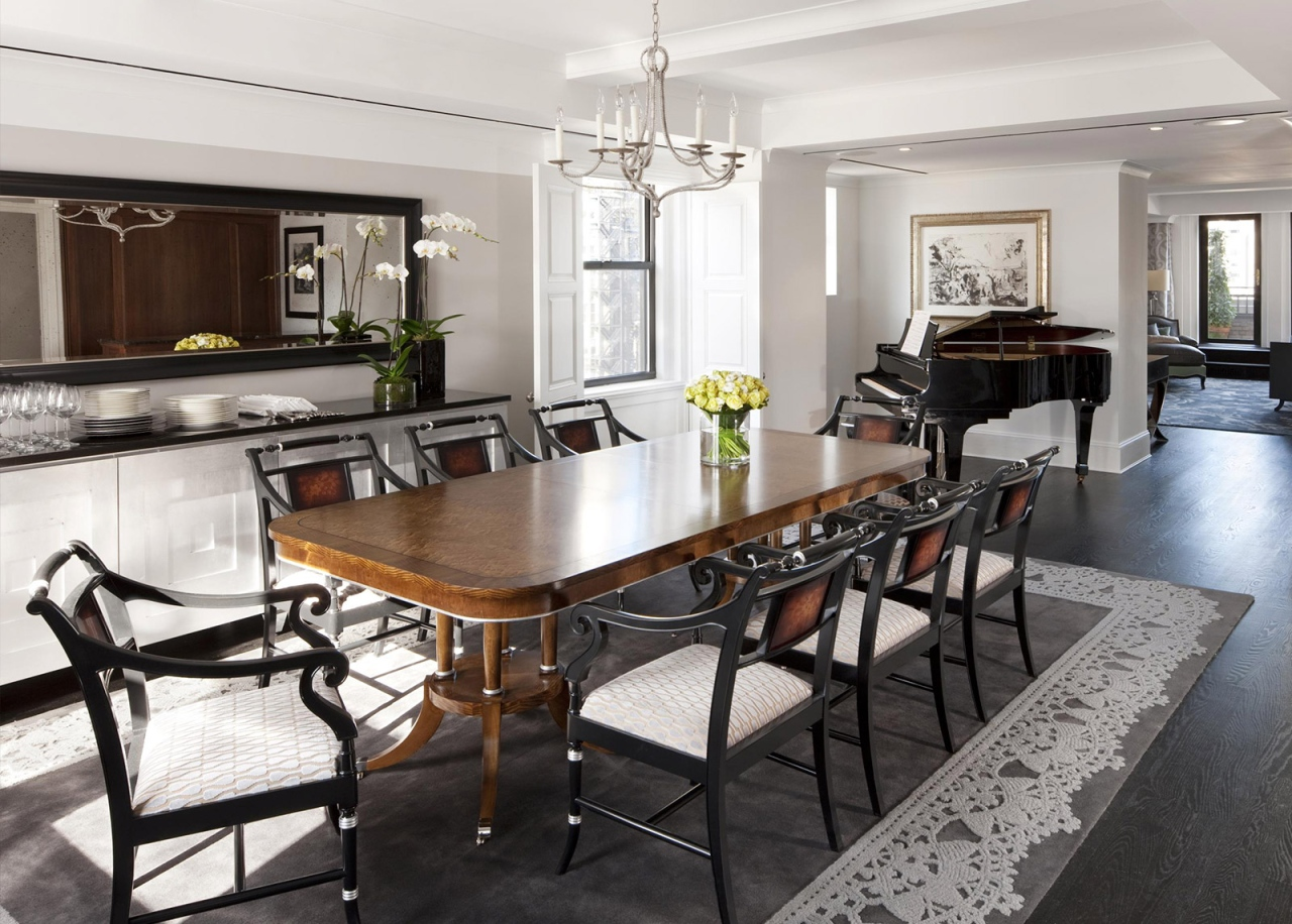 the-surrey-presidential-suite-dining-area