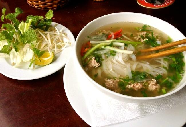 https://pixabay.com/en/pho-vietnamese-food-restaurant-263127/