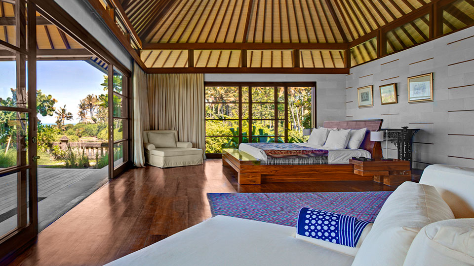 Exclusive_Beachfront_Holiday_Home_Bali_007