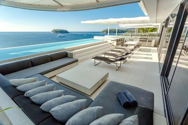 Recline in luxury!