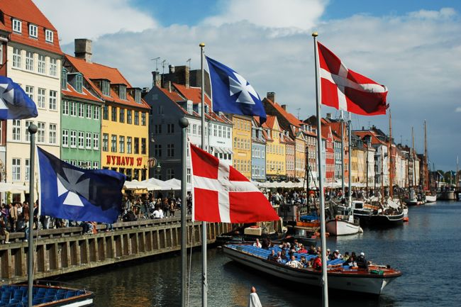 Nyhavn_canal_as_seen_from_Kongens_Nytorv_square,_Copenhagen,_Denmark,_Northern_Europe-2