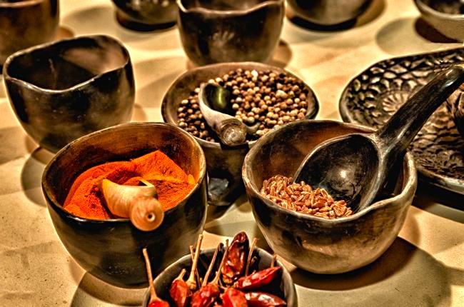 https://pixabay.com/en/spice-chiles-paprika-chili-powder-370114/