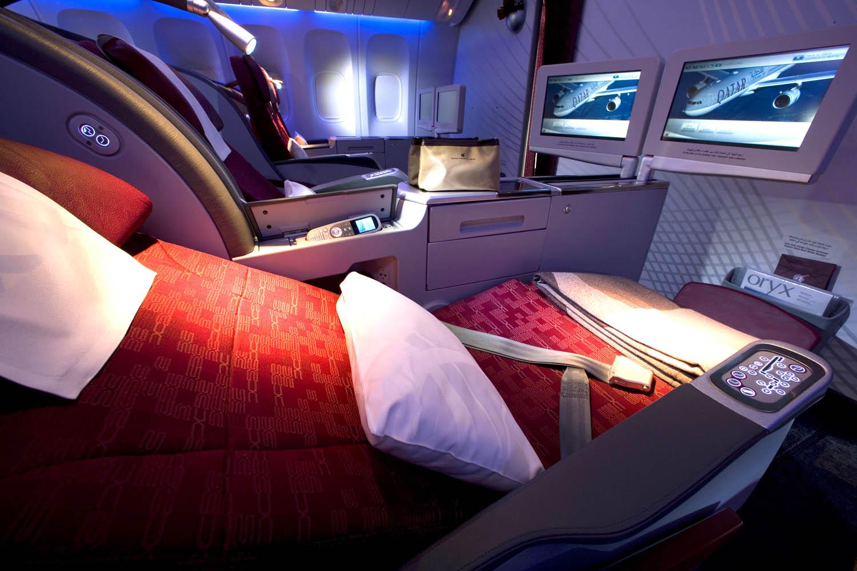 Pic 18 Qatar Airways' Boeing 777-300ER Business Class.jpg