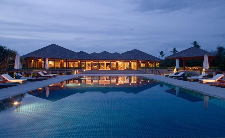 06-Amanpulo-Swimming-Pool-Night-750x460