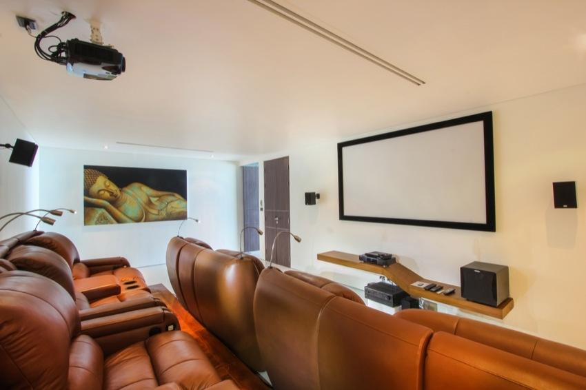24-cinema-room2