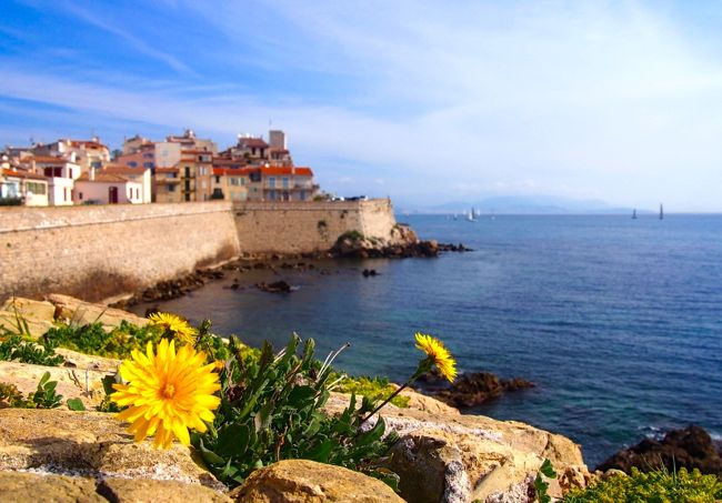 Soak up the charm of The Riviera's past