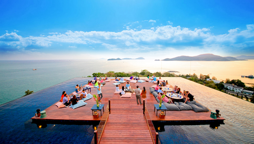 26sri-panwa-baba-nest-world-best-rooftop-sunset-lounge-with-360-panoramic-sea-views-bar-phuket-thailand