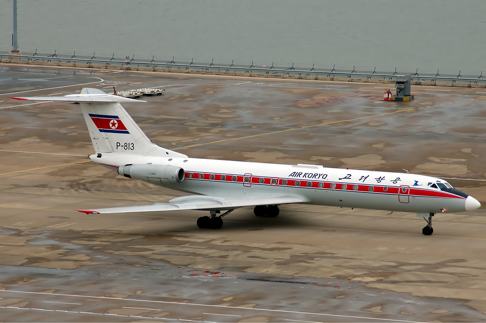 Air_Koryo_Tupolev_Tu-134_Tang-1