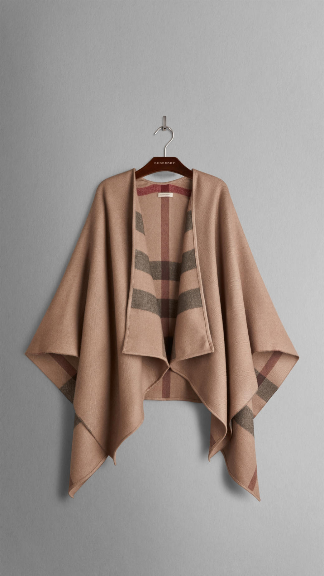 burberry--extra-fine-merino-wool-cape-product-1-20712789-1-864641414-normal