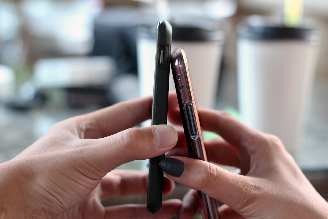 smartphone-570513_1280
