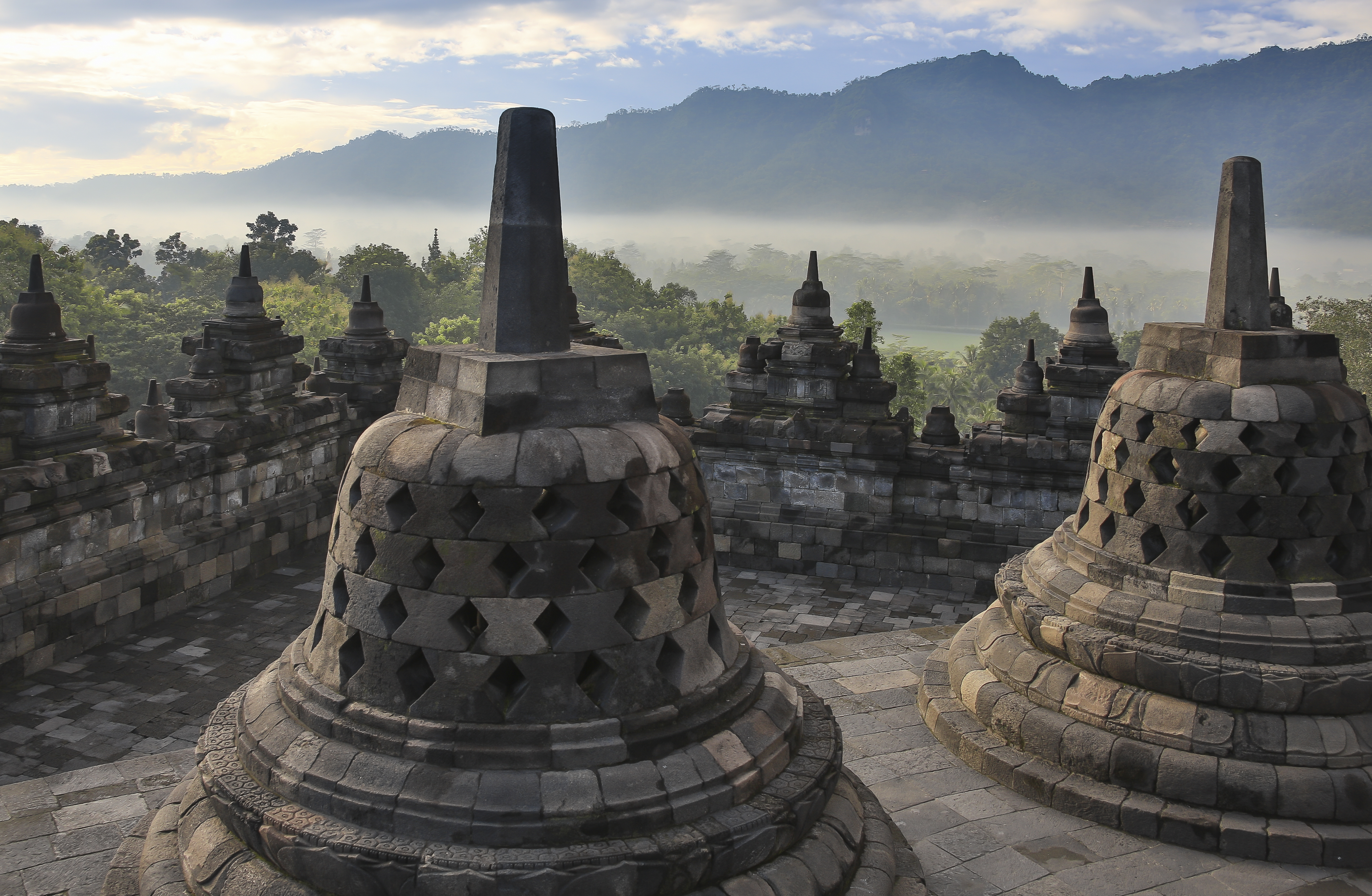 Borobudur-Temple-Park_Indonesia_Stupas-of-Borobudur-01
