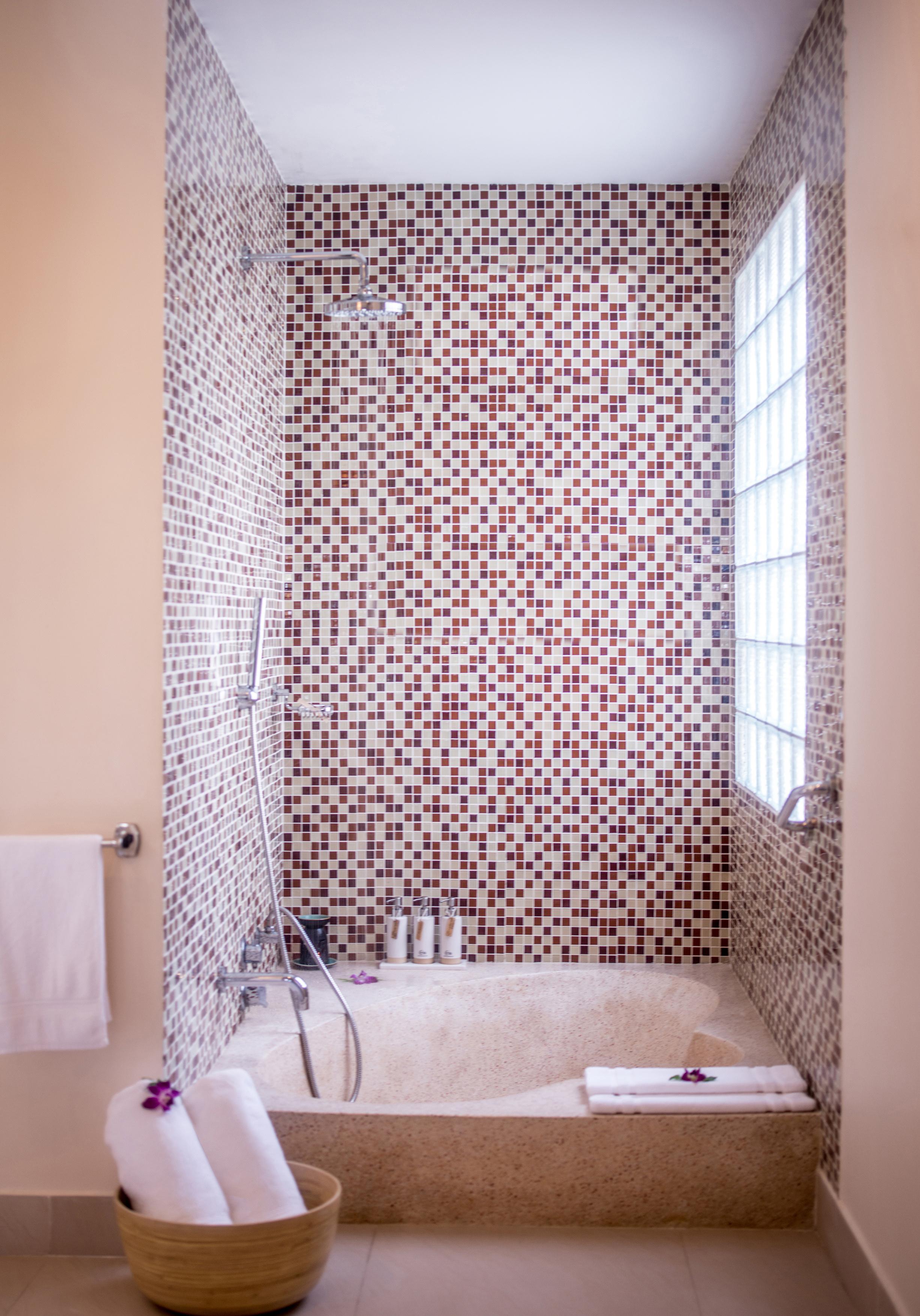 Hi_AHAR_56175783_Bathroom