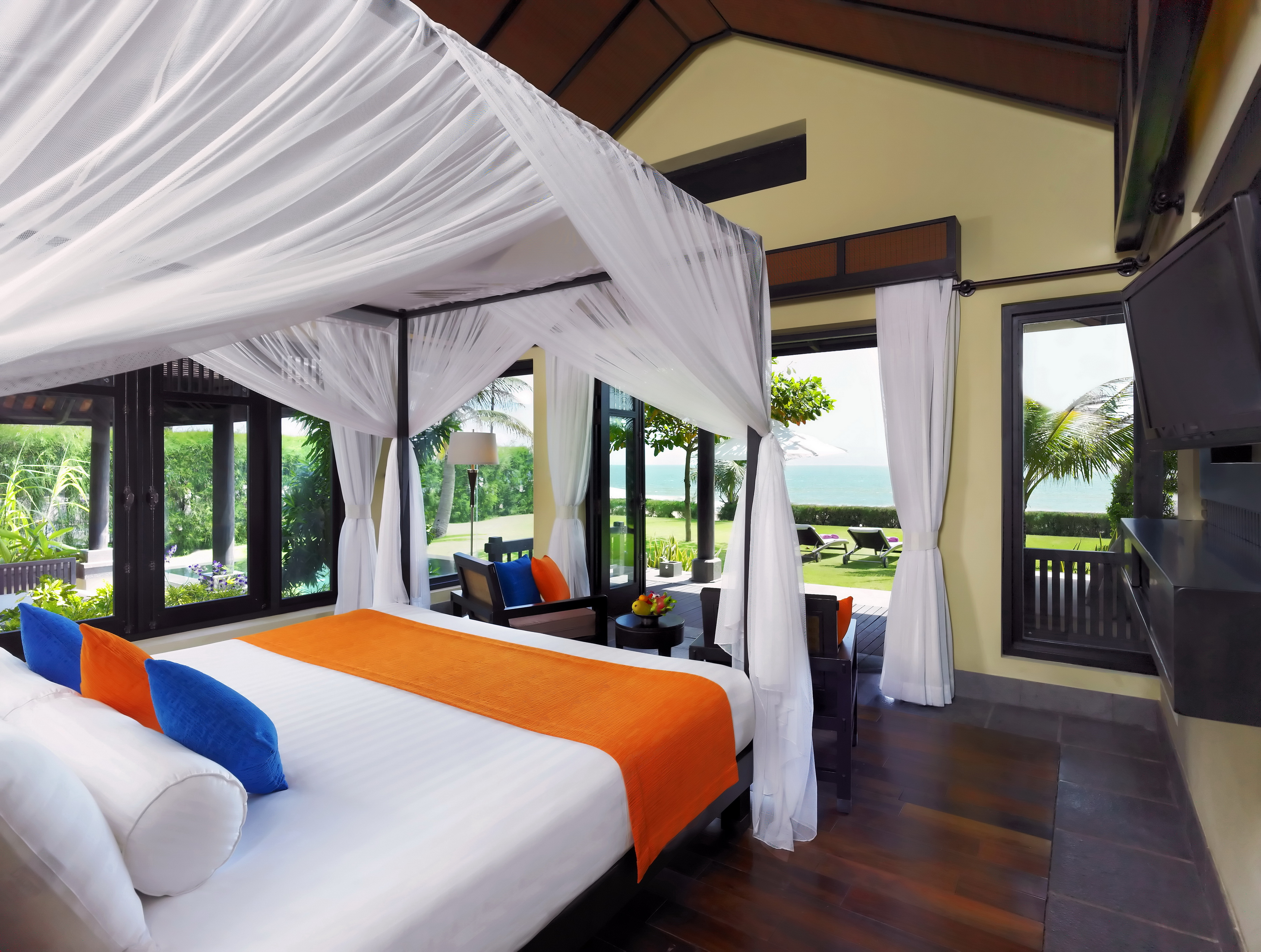 43699630-H1-View_from_One_Bedroom_Beach_Front_Pool_Villa