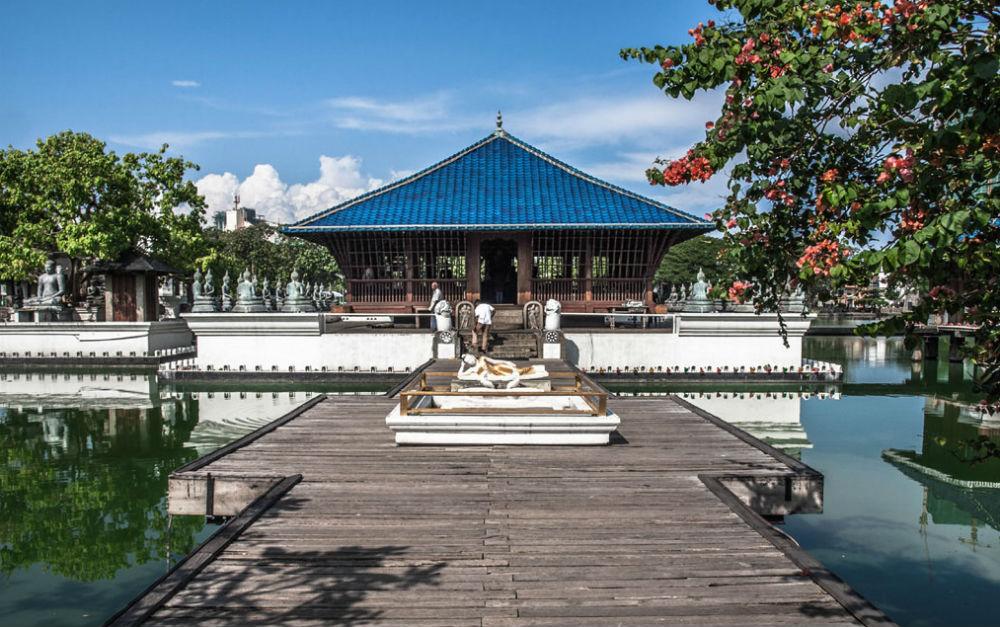 sri-lanka-colombo-simamalaka-temple-on-beira-lake