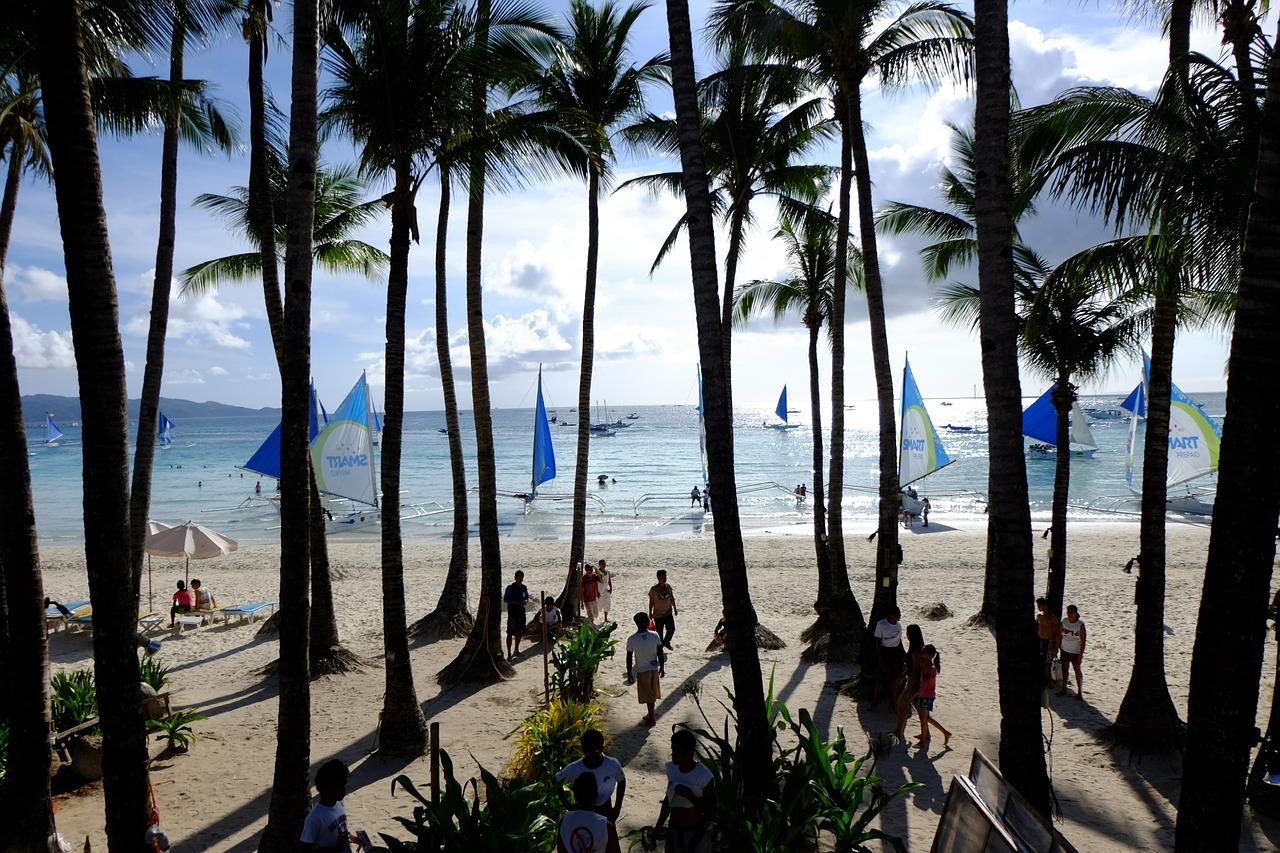 white-beach-605195_1280