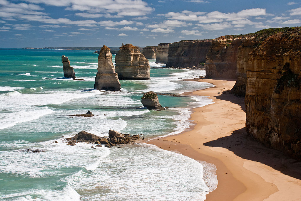 1024px-The_twelve_apostles_Victoria_Australia_2010