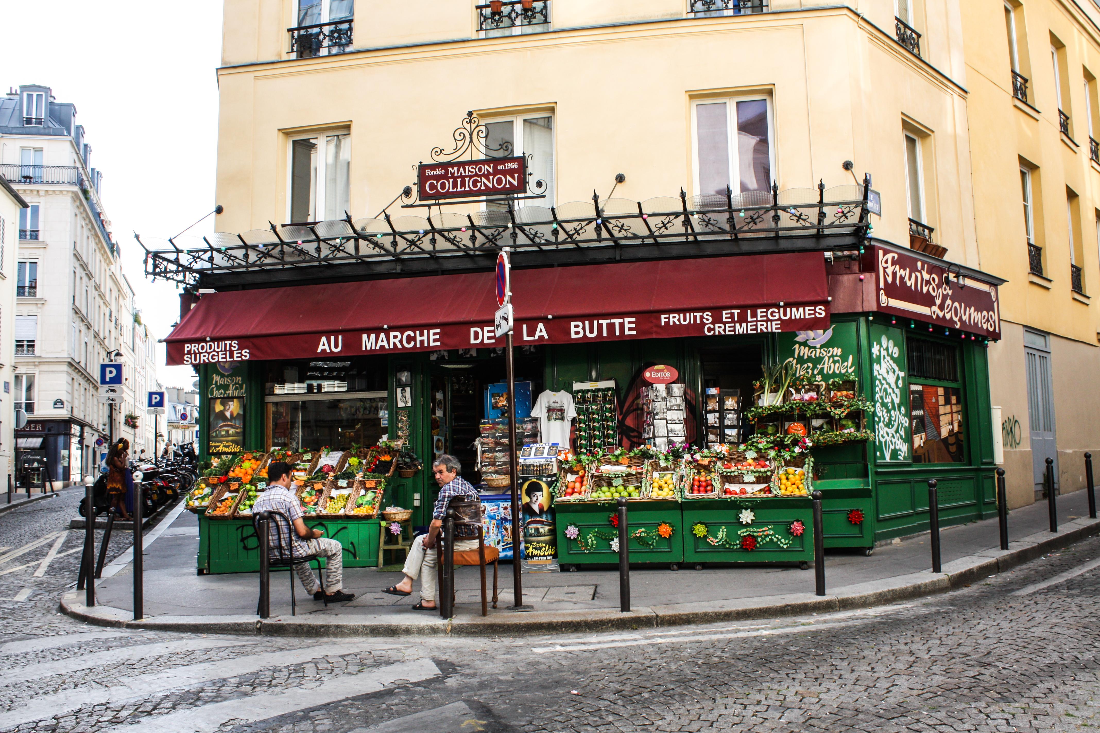 Au_Marché_de_la_Butte,_Paris_15_August_2013