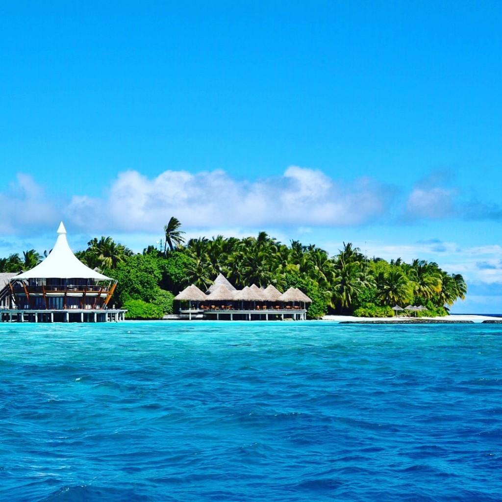 Baros_Maldives_Luxury_Resort_Paradise_lighthouse-1024x1024