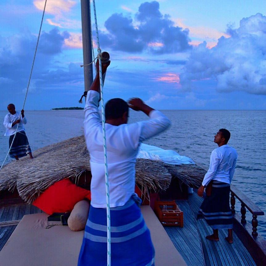 Baros_Maldives_Luxury_Resort_Paradise_sunset_dhoni_cruise