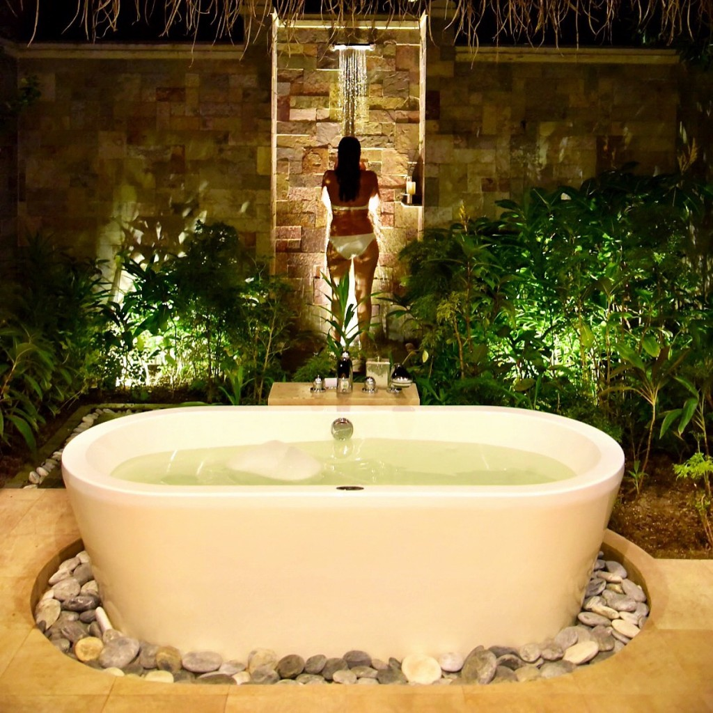 Baros_Maldives_Luxury_Resort_Paradise_villa_life-1-1024x1024
