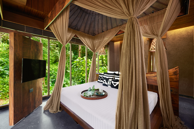 Clay-Pool-Cottage-View-Bed