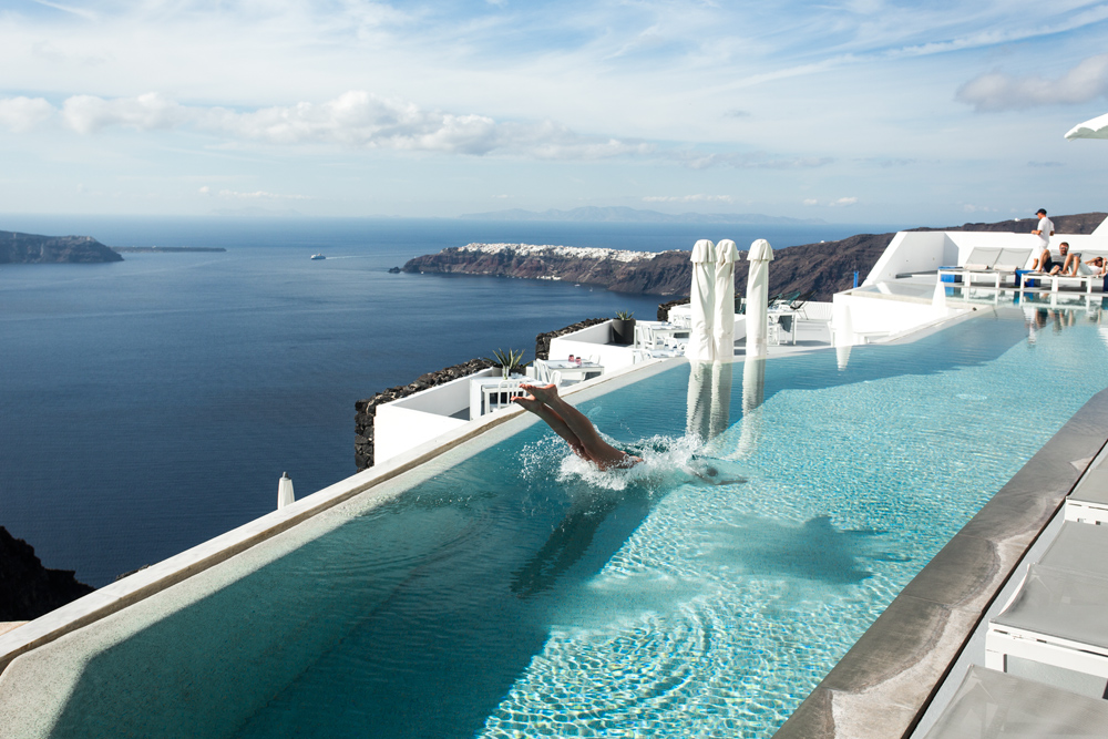 Grace-Hotel-Santorini-Luxe-Nomad-Oracle-Fox