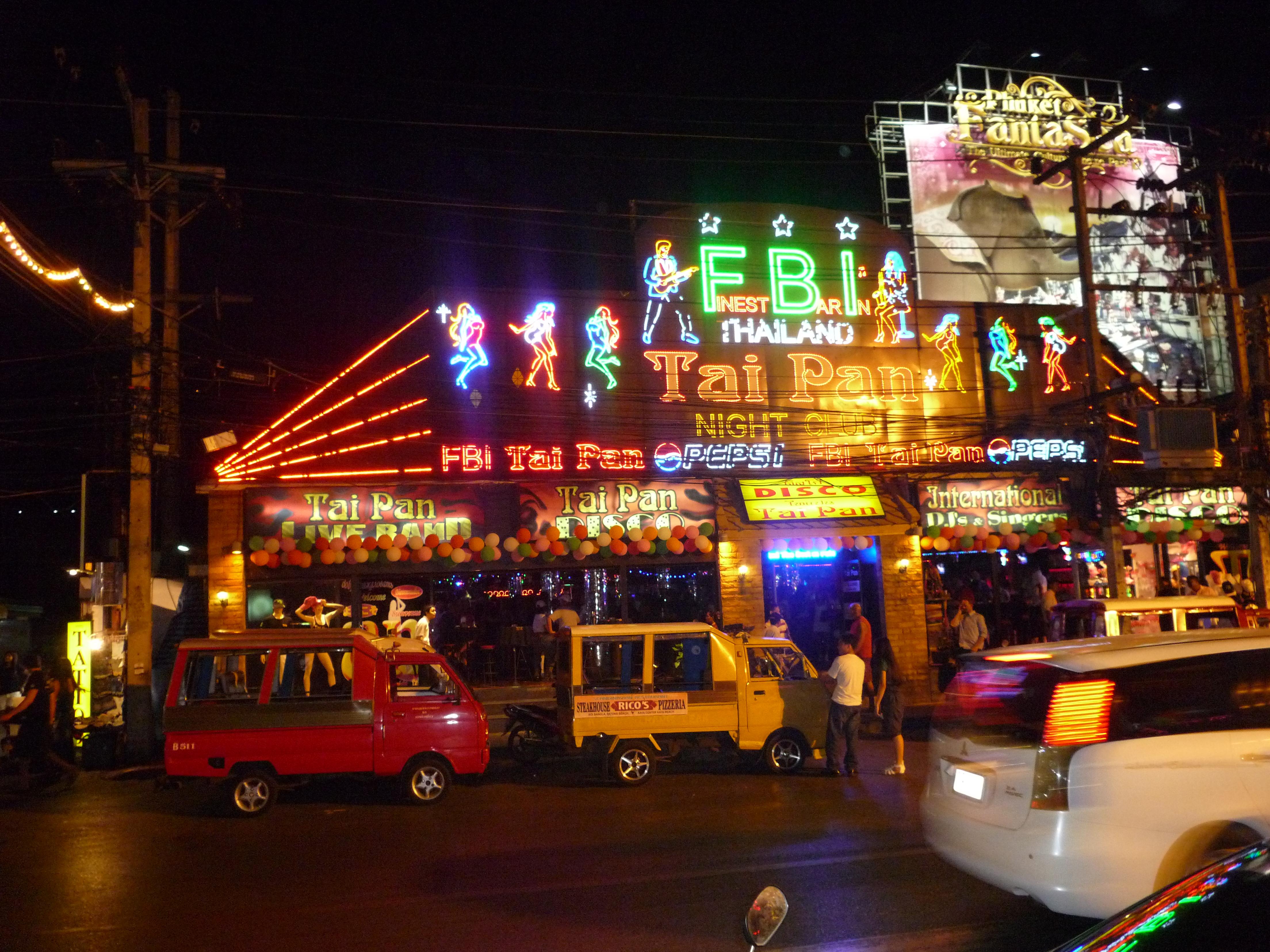 Patong_traffic_at_night_02