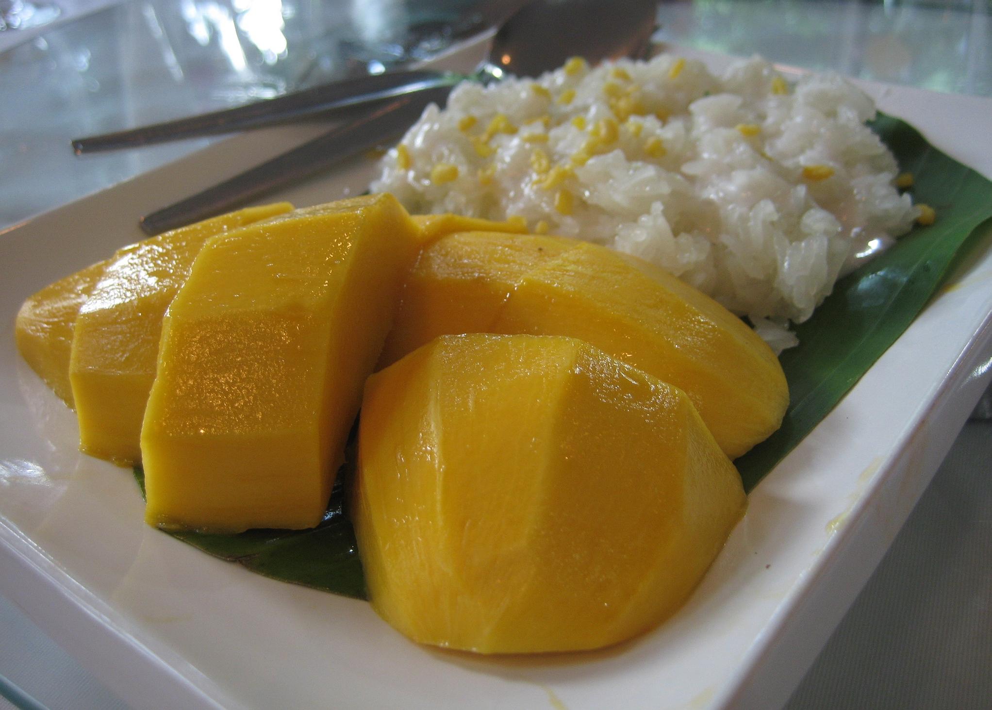 Mango_with_glutinous_rice