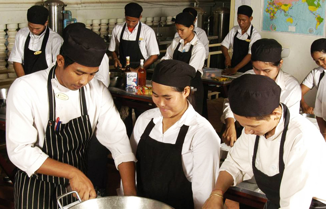 foundation_cooking2-cambodia