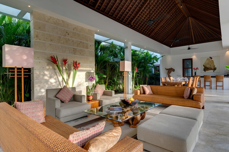 Casa-Brio-open-plan-living-area