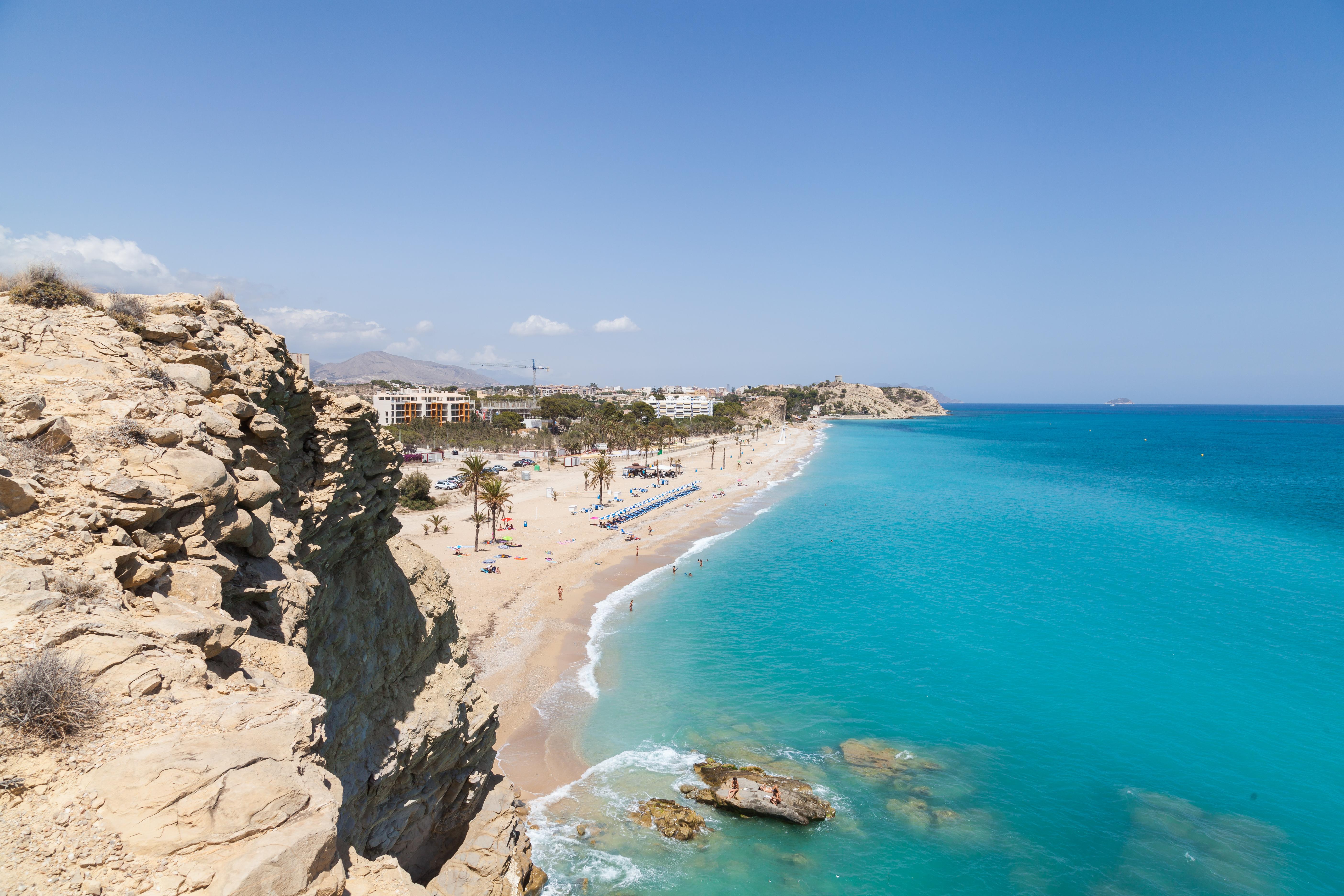 Playa_Paraíso,_Villajoyosa,_España,_2014-07-03,_DD_07