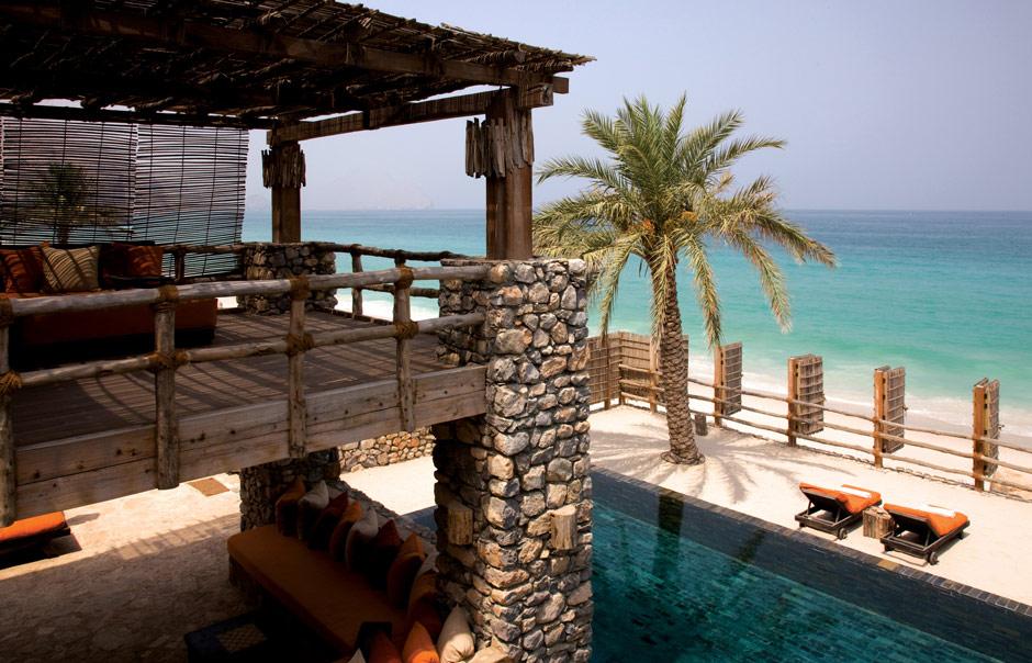 private-retreat-bedroom-balcony-no-model