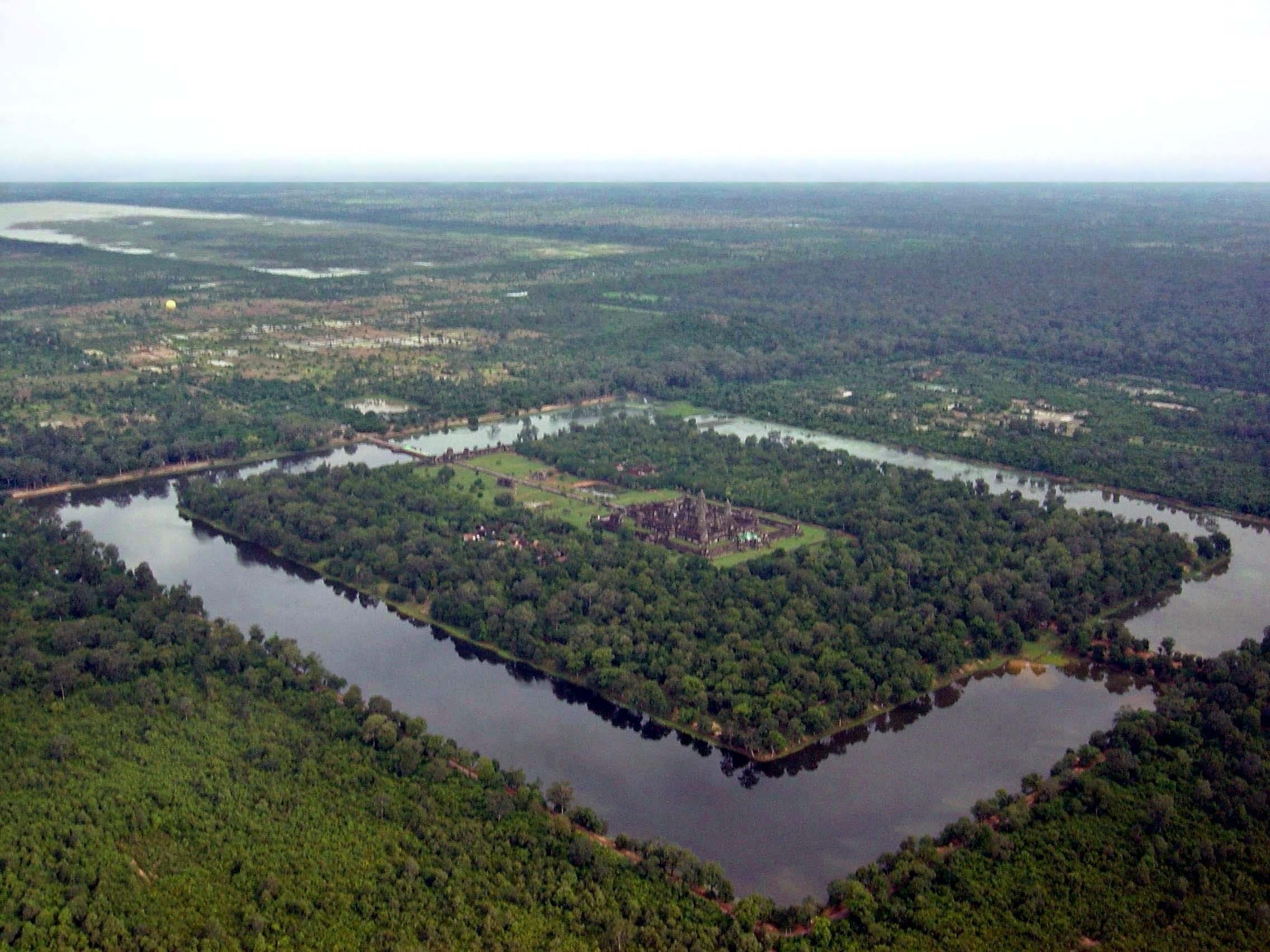 Angkor-Wat-from-the-air