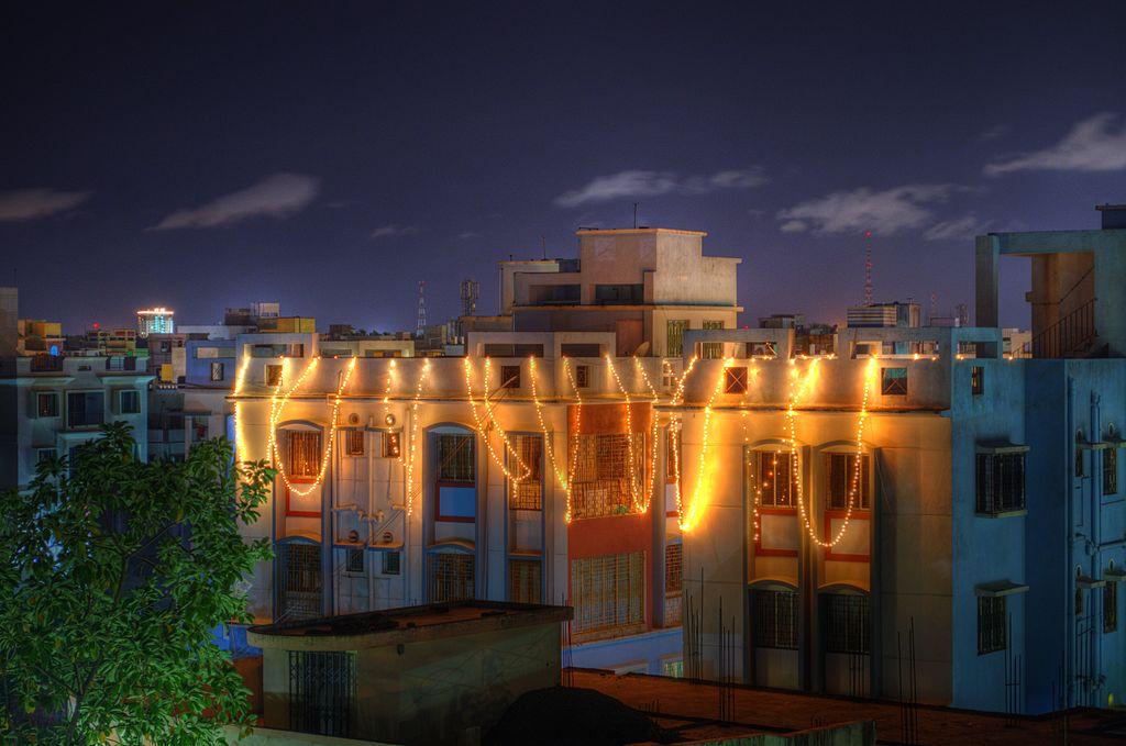 Festive_lights_on_the_eve_of_Diwali_India