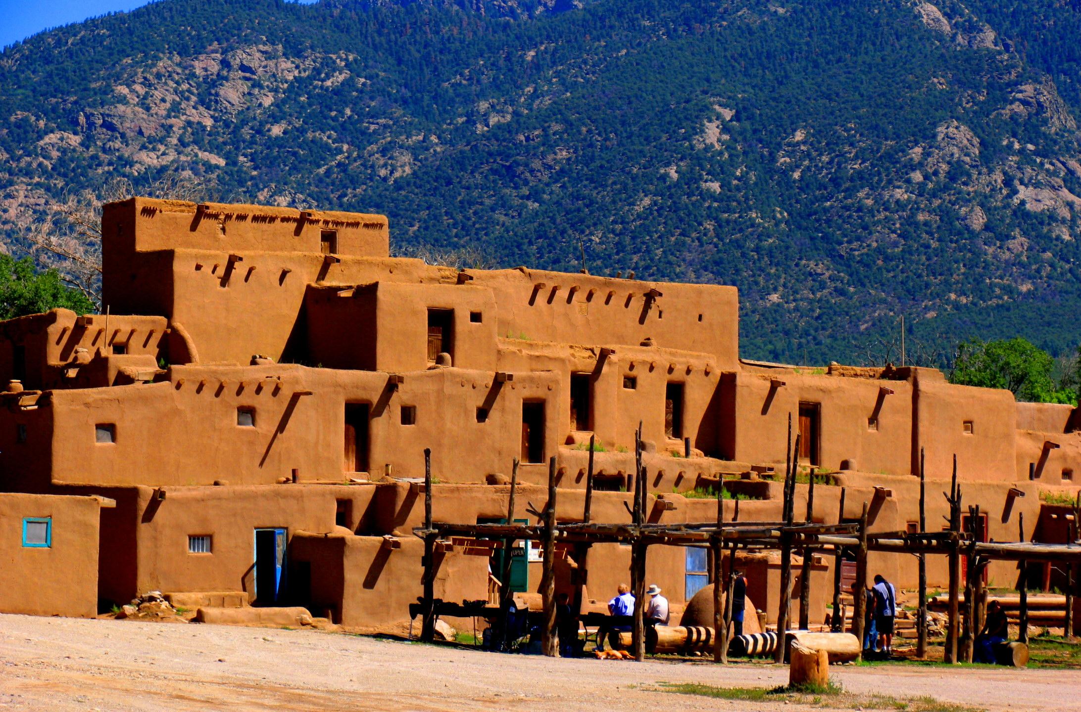 Taos_Pueblo2