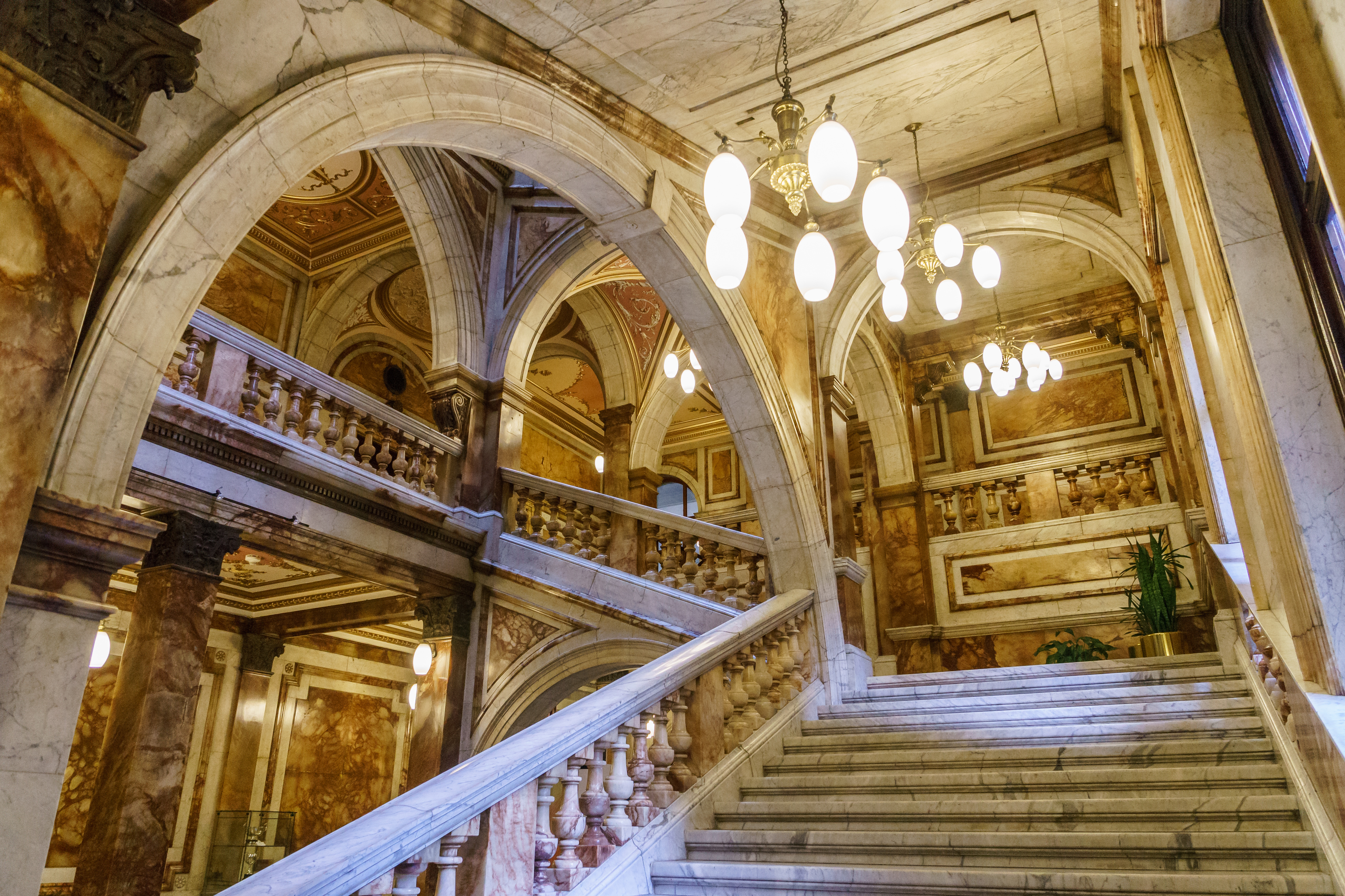 Glasgow City Chambers - Staircase - 7