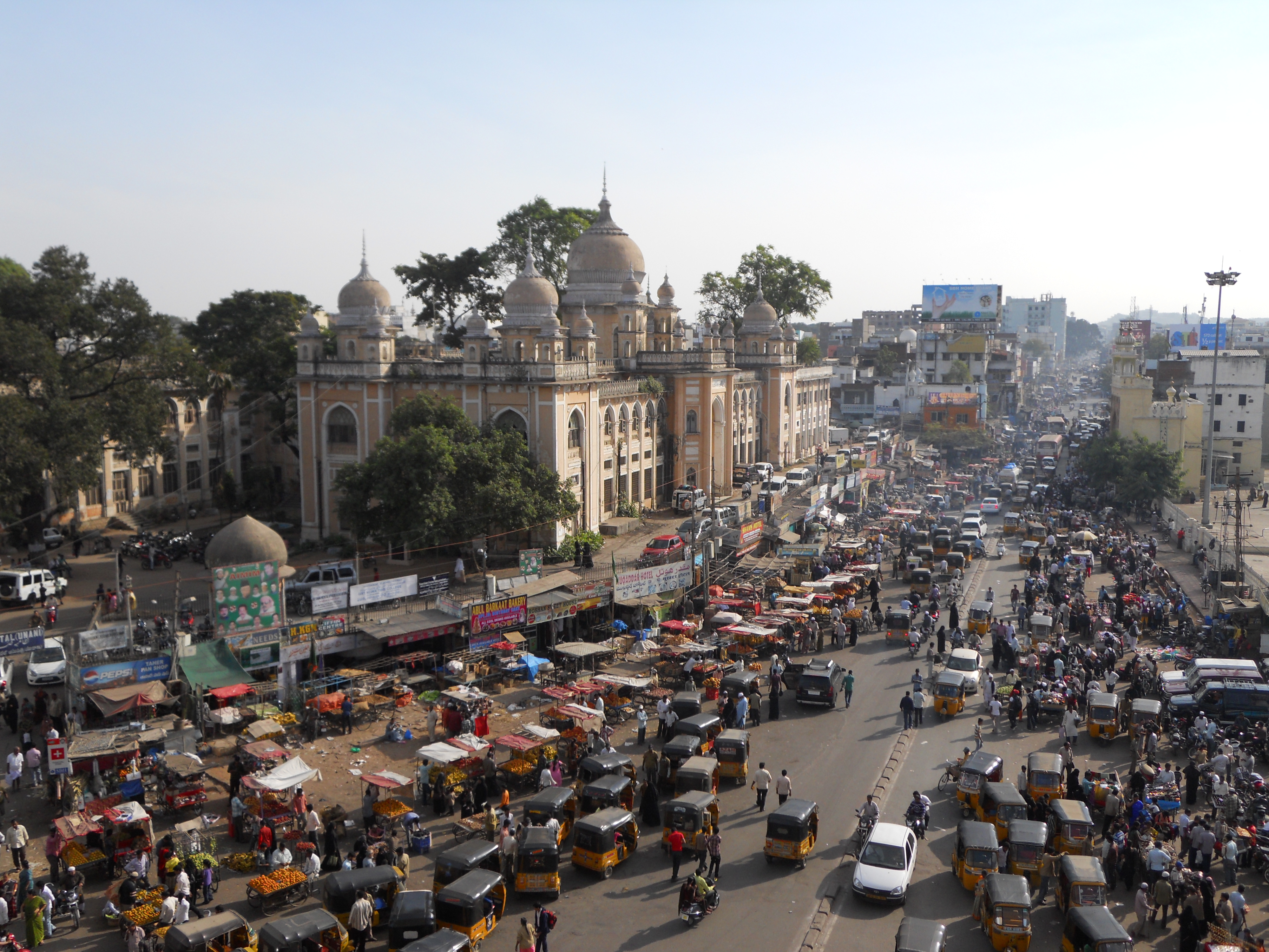 traffic_view_from_charminar