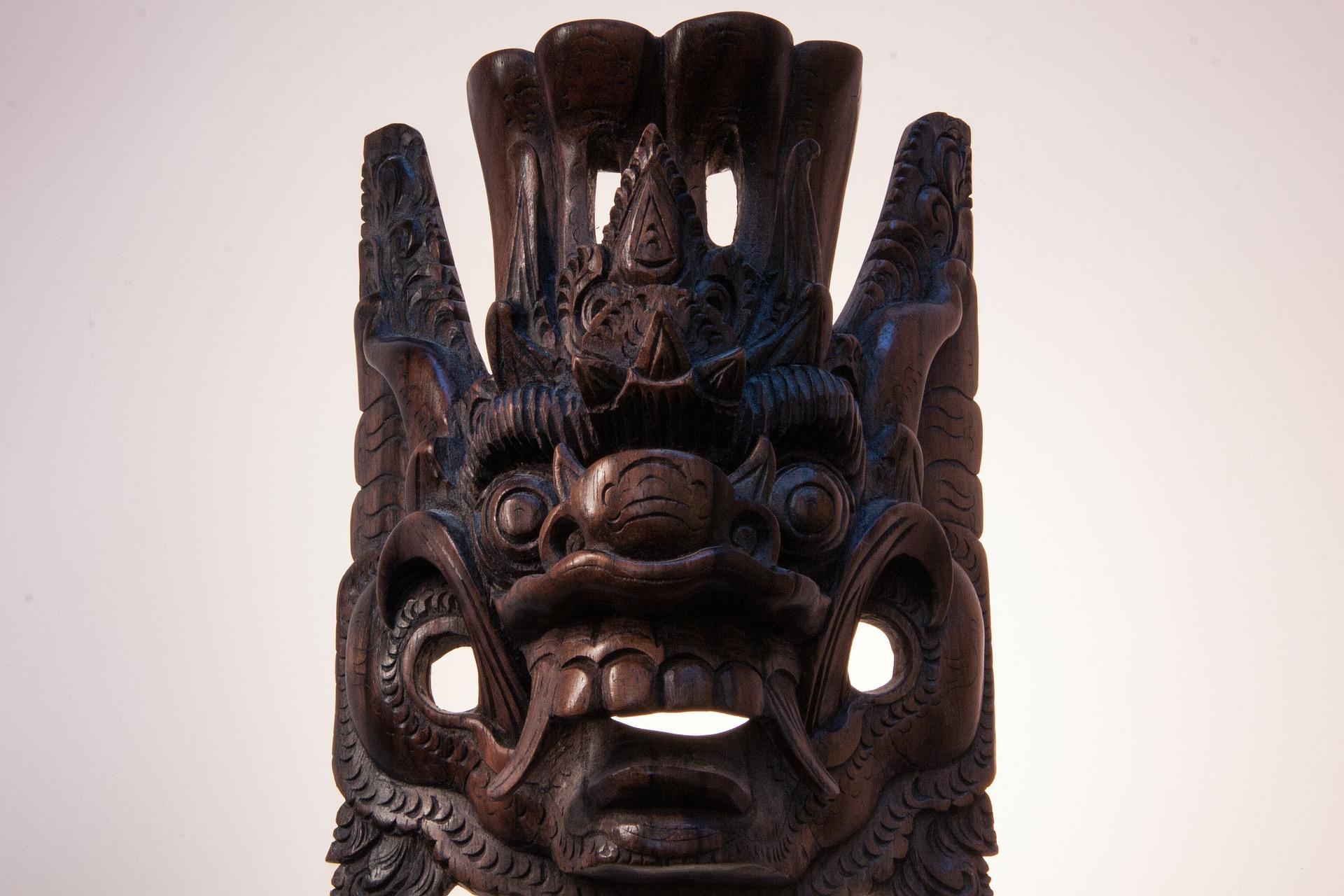 mask-181699_1920