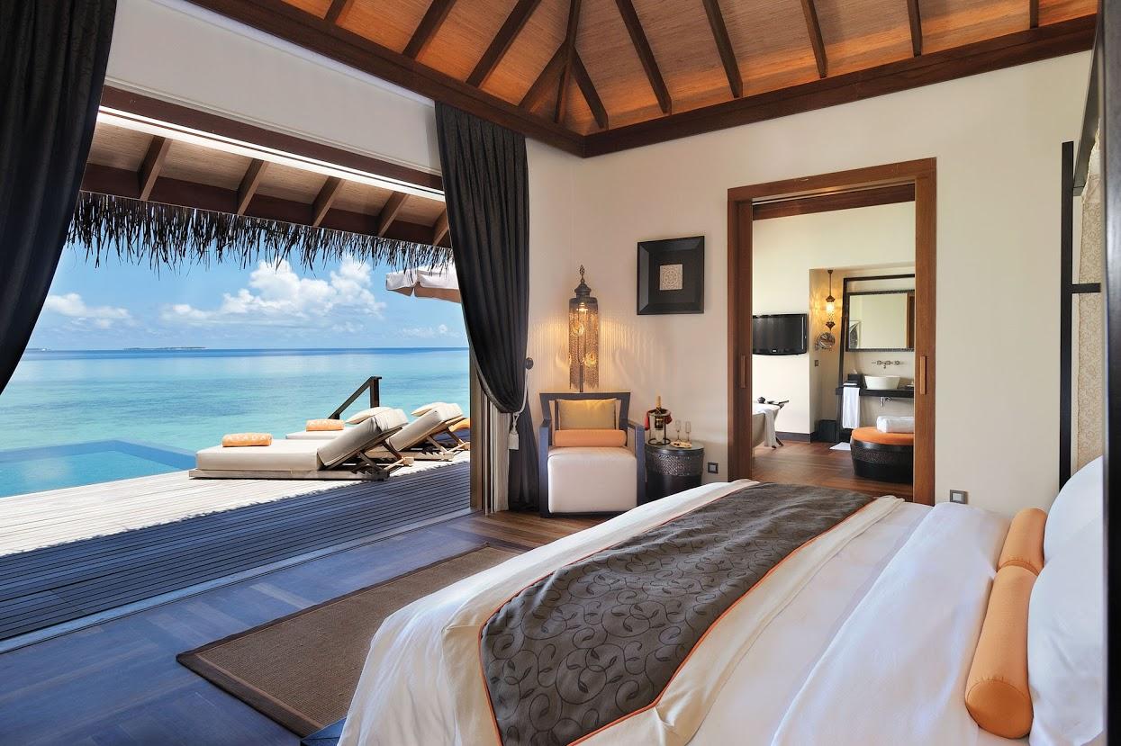 ayada-maldives-ocean-villa-bedroom