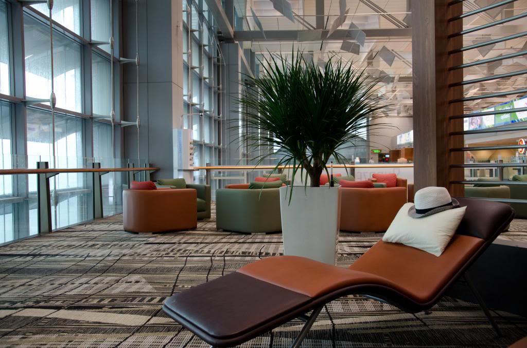 changi-airport_terminal-3-transit-snooze-lounge_zpsc6f66ca8