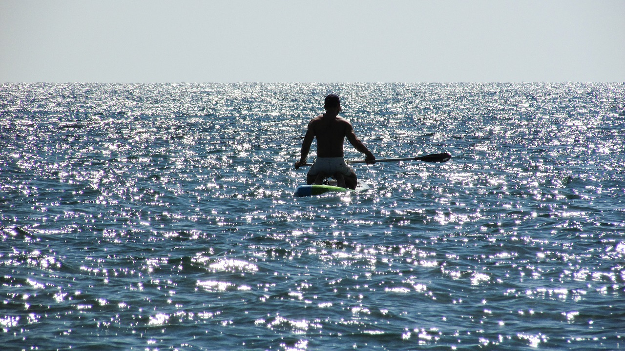 paddling-1746413_1280
