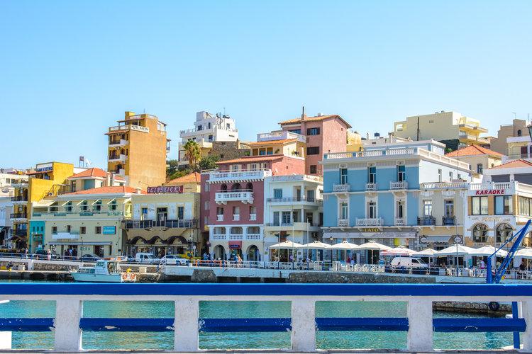 the-luxe-nomad-luxury-villas-crete-greece-st-nicolas-bay-resort-hotel-10