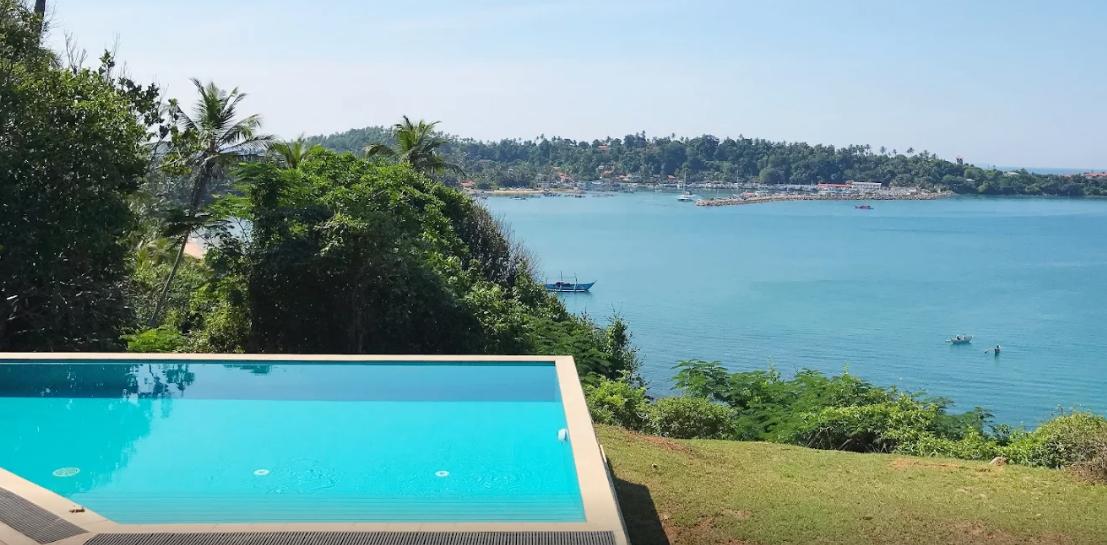 pool-overlooking-mirissa-harbour
